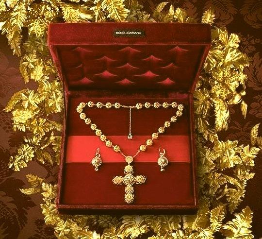 Dolce & Gabanna Jewelrywww.DiscoverLavish.com