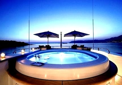 Beautiful Pool with a fantastic View